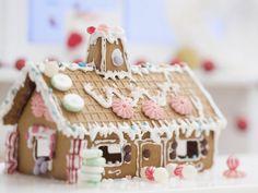 Die schönsten Lebkuchenhäuser -  Kreative Ideen für ein selbst gemachtes Lebkuchenhaus | http://eatsmarter.de/blogs/fun-food/die-schoensten-lebkuchenhaeuser