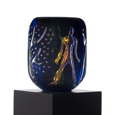 VICKE LINDSTRAND, an 'Ariel' glass vase, 'Adam and Eve', Orrefors 1939. - Bukowskis