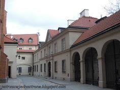 patrząc w jedną stronę: Muzeum Archidiecezji Warszawskiej