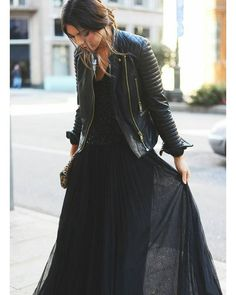 passa a prendere la tua gonna di tulle nera o amaranto #simplybeautiful solo.29euroe99