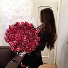 Imagem de flowers, girl, and rose My Flower, Beautiful Flowers, Valentines Tumblr, Rose Images, Rich Kids, Photos, Pictures, Girly, Hair Styles