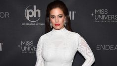 Miss Universe Host Ashley Graham Criticizes Pageant For Not Including Curvy Contestants - Modern Night Outfits, Dress Outfits, Prom Dresses, Fashion Outfits, Casino Royale, Casino Outfit, Ashley Graham, Pageant, Party Themes