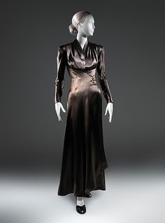 Dinner dress (image 1) | Charles James | American | 1939 | silk, synthetic | Metropolitan Museum of Art | Accession Number: 2013.406