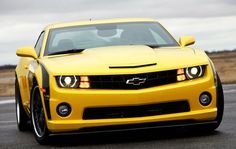 Chevrolet Camaro Bumblebee :D Transformers Bumblebee, Chevrolet Camaro, Cars Motorcycles, Cool Cars, Transportation, Automobile, Girl Fashion, Muscle, Architecture