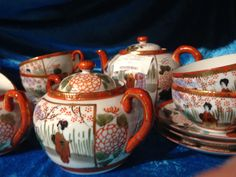 Prachtig oud Chinees theeservies. Japanese Egg, Egg Shells, Service, Earthenware, Cup And Saucer, Tea Pots, Sweet Home, Cups, Tableware