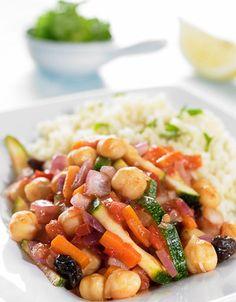 Vegetarcouscous | www.greteroede.no | Oppskrifter | www.greteroede.no Couscous, Fruit Salad, Pasta Salad, Tapas, Vegan, Dishes, Ethnic Recipes, Weight Loss, Food