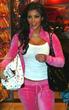 Kim Kardashian media gallery on Coolspotters. See photos, videos, and links of Kim Kardashian. Lv Handbags, Louis Vuitton Handbags, Louis Vuitton Monogram, Fashion Handbags, Fashion Bags, Luxury Handbags, Women's Fashion, Designer Handbags, Choice Fashion