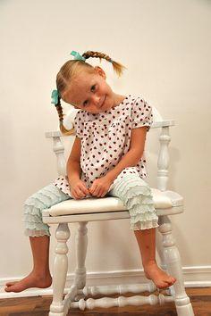girls ruffle bloomer/leggins using ruffle fabric