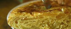Cinco tortillas de patata irrepetibles | Hit Cooking #hitcooking #bewimit… Tapas, Tortillas, Pie, Desserts, Food, Gastronomia, Gourmet, Spanish Omelette, Mince Pies