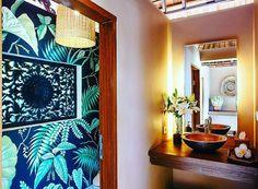 Un'esplosione di colori in bagno #bathroom #design #bathdesign #Flowers #spring #color #bathrooms #happiness #cool #fashion #style #lovedesign #beautiful #bagnomoderno by stile_bagno