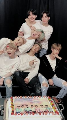 Find images and videos about kpop, bts and jungkook on We Heart It - the app to get lost in what you love. Seokjin, Kim Namjoon, Jung Hoseok, Suga Rap, Bts Bangtan Boy, Jimin Jungkook, Billboard Music Awards, Foto Bts, Yoonmin