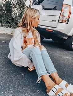 Casual Fashion Show Outfit 10 Summer Shoes You Need In Your Closet This Year.Casual Fashion Show Outfit 10 Summer Shoes You Need In Your Closet This Year Look Fashion, Fashion Models, Fashion Outfits, Womens Fashion, Fashion Trends, Casual Teen Fashion, Classy Fashion, Fashion Flats, French Fashion