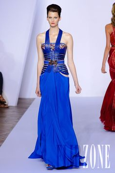 Basil Soda - Couture - Fall-winter 2011-2012 - http://en.flip-zone.com/fashion/couture-1/independant-designers/basil-soda-2313