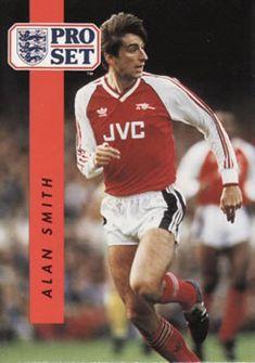 1990-91 Pro Set English League #13 Alan M. Smith Front