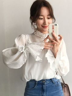 Keep it simple and classy in this long sleeve flare blouse. Pretty Outfits, Cute Outfits, Modest Fashion, Fashion Outfits, Fashion Tips, Korean Blouse, Korean Fashion Trends, Shirt Sleeves, Stand Collar Shirt