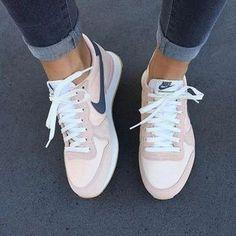 Tendance Chausseurs Femme 2017 Sneakers Rose poudré Nike