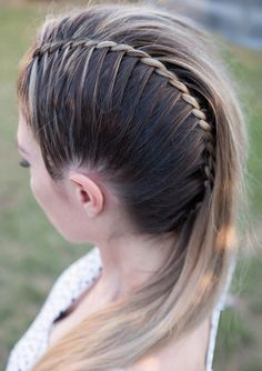 Excellent ideas of twisted mohawk braided and wedding hairstyles you must try nowadays. It is one of the unique hairstyles for ladies to wear in 2019 for more cute hair looks. # summer Braids twists 35 Fantastic Twisted Mohawk Braid Styles in 2019 Mohawk Braid Styles, Curly Hair Styles, Natural Hair Styles, Mohawk Updo, Box Braids Hairstyles, Unique Hairstyles, Wedding Hairstyles, Gorgeous Hairstyles, Braided Hairstyles For Long Hair