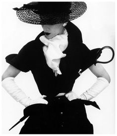 in Style From Fashion's First Supermodel, Lisa Fonssagrives Lisa Fonssagrives wearing a hat by Lilly Dache. Photographed for Vogue by Irving Penn, Fonssagrives wearing a hat by Lilly Dache. Photographed for Vogue by Irving Penn, Glamour Vintage, Vogue Vintage, Vintage Dior, Vintage Couture, Vintage Black, Vintage Style, Vintage Hats, 50s Glamour, Glamour Dresses
