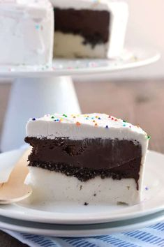 20 Dairy-Free Recipes Using Chocolate Ice Cream (Ultimate Dairy Free Freezer Cake pictured) Gluten Free Desserts, Dairy Free Recipes, Vegan Desserts, Easy Desserts, Delicious Desserts, Dessert Recipes, Paleo Dessert, Milk Recipes, Dessert Ideas