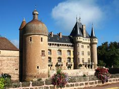 Clayette chateau Burgundy self guided walking holiday France