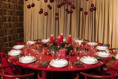 Christmas table 2011 by Ellen & Birgitta Hillingsø