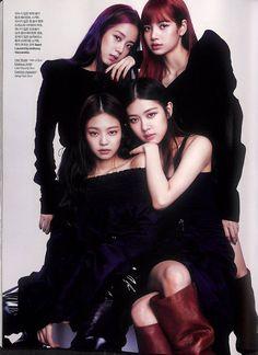 BlackPink for Elle Korea August Photographed by Kim Yeong Jun Kpop Girl Groups, Korean Girl Groups, Kpop Girls, Blackpink Jennie, Blackpink Fashion, Korean Fashion, K Pop, Girls Generation, Jenny Kim