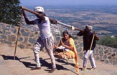 Funny Indian Women Pictures : India Pictures - Funny India Pics & Photos Secret Escapes, India Culture, Good People, Amazing People, India Travel, Public Transport, Homeland, Transportation, Funny Pictures