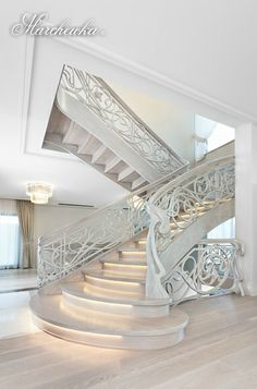 Construction: cheek with risers Balustrade: hand carved Wood: natural oak Finish: painted white (semi-matte) Dream Home Design, House Design, Staircase Railing Design, Modern Stairs, Interior Decorating, Interior Design, Stairways, Interior And Exterior, Luxury