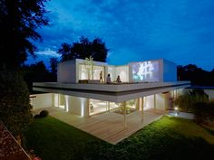 German practice Christ.Christ Associated Architects have completed 'house S', an upgrade to a bungalow constructed in the 1960s by Wilfried Hilger in Weisbaden, Germany.