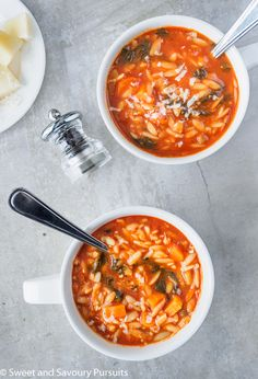 Healthy meals 501166264784972561 - Made with simple ingredients, this easy and quick to make homemade vegetarian Tomato Orzo Soup is a delicious, hearty and healthy meal. Gourmet Recipes, Vegetarian Recipes, Cooking Recipes, Healthy Recipes, Simple Healthy Meals, Healthy Hearty Soup, Gourmet Meals, Vegetarian Diets, Cookbook Recipes