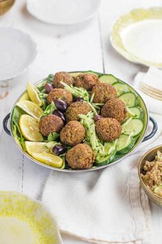 If you were to come to my house for dinner, chances are I would offer to make you an amazing falafel dinner. It's one of my favorite meals to make! I would make homemade hummus with my own ta…
