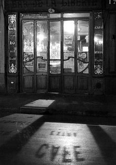 Paris - Bistro 1927 André Kertèsz