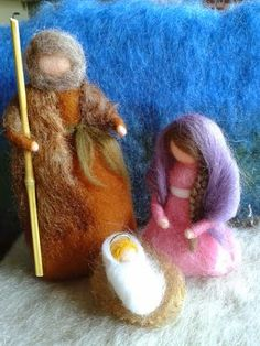 waldorf lana - Buscar con Google Christmas Nativity Scene, Christmas Deco, Christmas Angels, All Things Christmas, Handmade Christmas, Christmas Crafts, Needle Felting Tutorials, Waldorf Toys, Wool Felt