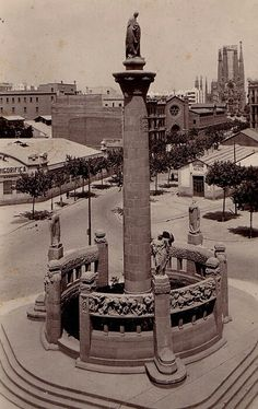 Monument a Mossen Jacint Verdaguer. Barcelona Bars, Barcelona Catalonia, Sacred Architecture, Water Tower, Gaudi, Best Cities, Wanderlust Travel, Old Pictures, Madrid