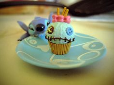 I absolutely have to make Lilo and Stitch cupcakes