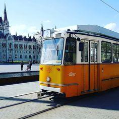 Ketteske #csudapest #budapest #ötker #momentsinbudapest #hungary #budapestagram #welovebudapest #budapestwithlove #tram