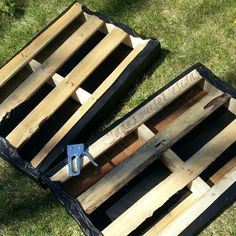 DIY Pallet Garden; How to make Raised Wood Pallet Garden Bed More