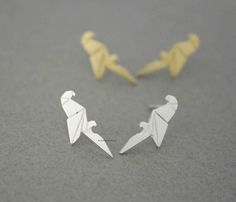 Simple and cute Origami Parrot earrings.  Suitable for every party or costume,easy to match also it can as a gift to your friends, lover, family...  Size/Dimensions/Weight Pendant size 5 * 18 mm  Mate