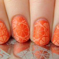 Love the matte oranges! Simple, cute, and fruity nails.
