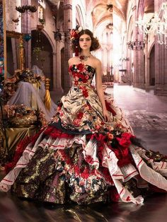 top trends fashion dresses for women's. Discover latest clothing trends from fashion's top designers, cute women's dresses online . Discover various styles and materials of dresses for women . Ball Dresses, Ball Gowns, Prom Dresses, Wedding Dresses, Gown Wedding, Beautiful Gowns, Beautiful Outfits, Pretty Outfits, Pretty Dresses