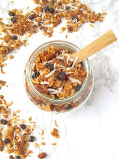Toasted hazelnuts and sweet dried blueberries add flavor and texture to this addictive and healthy Blueberry Coconut Granola with Hazelnuts. Brunch Recipes, Breakfast Recipes, Snack Recipes, Keto Recipes, Healthy Recipes, Diabetic Recipes, Breakfast Ideas, Diabetic Desserts, Coconut Recipes