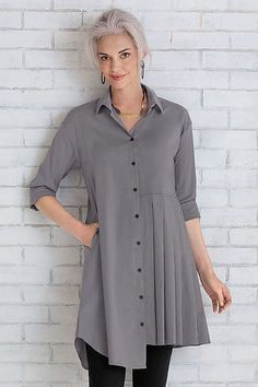 How to Rock an Over 50 Travel Wardrobe-The Liexi Shirt Comfy USA for Artful Home Fashion For Women Over 40, 50 Fashion, Fall Fashion Trends, Autumn Fashion, Fashion Outfits, Travel Fashion, Fashion Rings, Fashion Clothes, Fashion Women