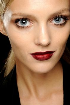 Anja Rubik//ox blood red lip is the trend to be very happy about. I find it divine and so classy.