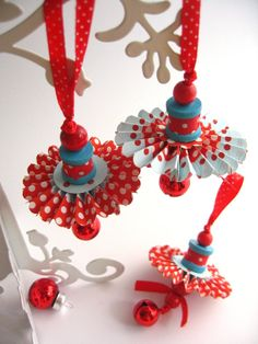 Retro Christmas Tree Decorations by redpolkadotchicken This would look great with white and silver paper...or sheet music and vintage buttons