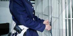 Carceri: Caltanissetta, recluso picchia agente e gli rompe timpano