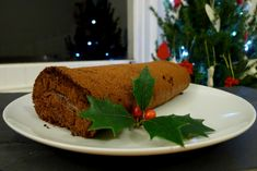 A naturally gluten-free Christmas yule log filled with chestnut puree and coconut cream. Inspired by the French Bouche-de-Noel Christmas Yule Log, Christmas Cakes, Christmas Sweets, Christmas Time, Xmas, Natural Kitchen, Gluten Free Chocolate, Gluten Free Baking, Favorite Recipes