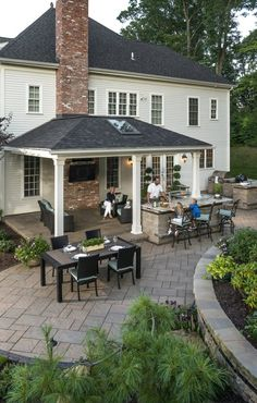 Family enyoing their Beacon Hill Flagstone patio - Photos Family en. - Family enyoing their Beacon Hill Flagstone patio – Photos Family enyoing their Beaco - Flagstone Patio, Pergola Patio, Patio Stone, Patio Privacy, Patio Table, Pergola Kits, Pergola Ideas, Grill Gazebo, Patio Awnings