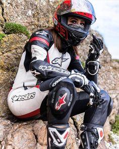 Hobbies Questions And Answers Motocross Wedding, Motorbikes Women, Bike Leathers, Motorcycle Suit, Biker Gear, Grid Girls, Lady Biker, Biker Chick, Street Bikes