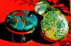 Deckeldosen, Kupfer emailliert, geschliffen, ca. 10 cm D