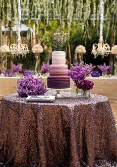 New Wedding Cakes Vintage Purple The Bride 39 Ideas Purple Wedding Tables, Purple And Gold Wedding, Lilac Wedding, Floral Wedding Cakes, Gold Wedding Theme, Wedding Cake Designs, Wedding Colors, Wedding Ideas, Spring Wedding